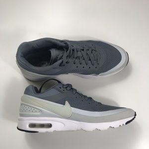 Women's Gray Nike Airmax